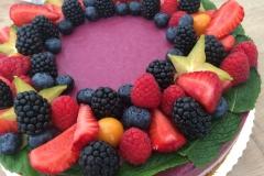 Raw torta s lesným ovocím